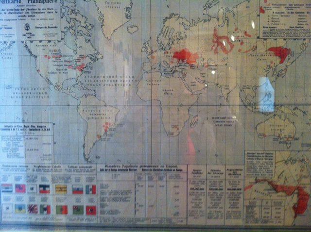 Карта розміщення українців у світі 1920 р.